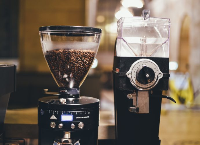 Bean to cup coffee machine