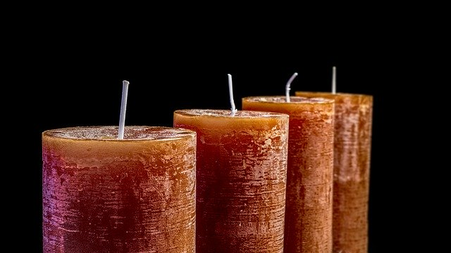 candles-2993936_640